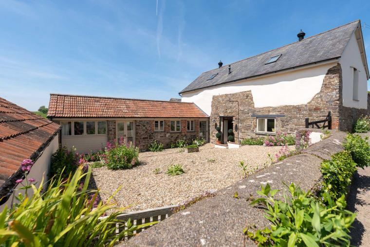 The Stables at Parkgate, Tawstock near Barnstaple Devon  - sleeps 12 in 6 bedrooms