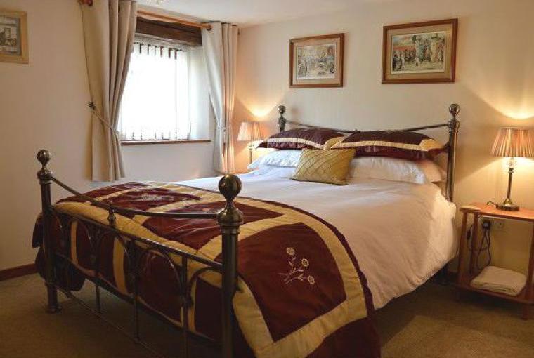 Badger Cottage En-suite Bedroom