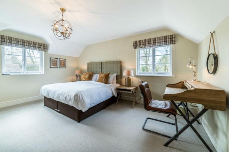 Large romantic Master Bedroom