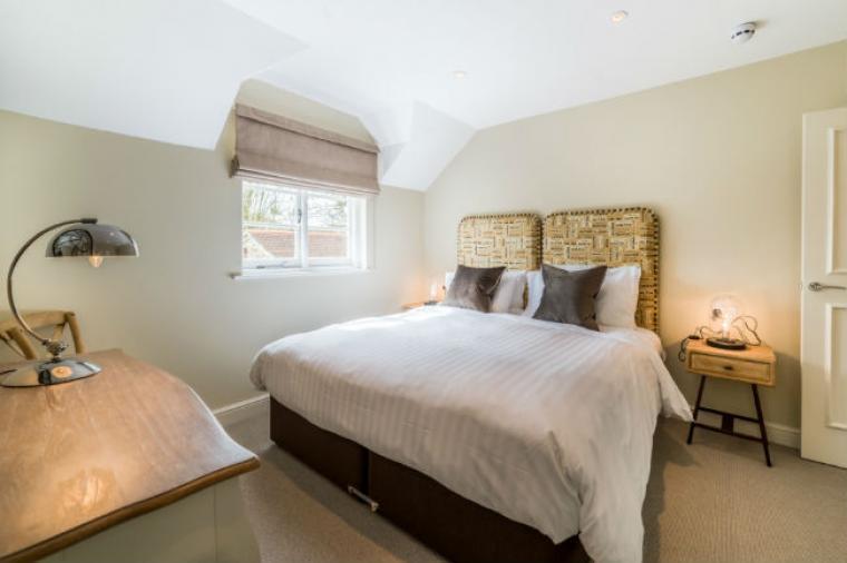 Twin/Double Bedroom