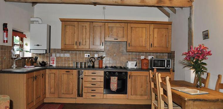 Kingfisher Holiday cottage kitchen