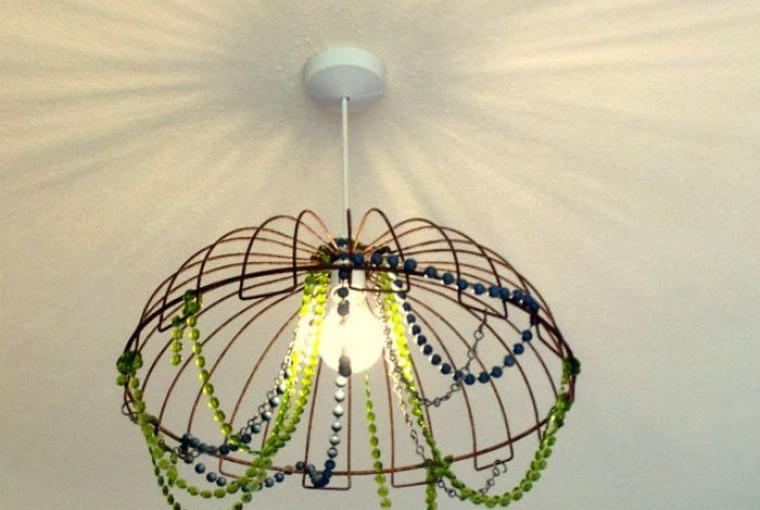 Upcycled bead light