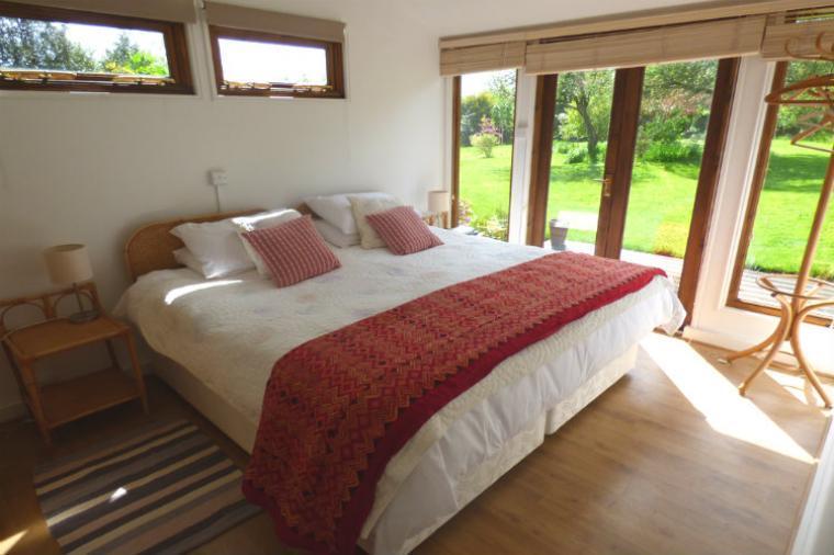 Romantic bedroom wtih superking bed and en-suite facilities