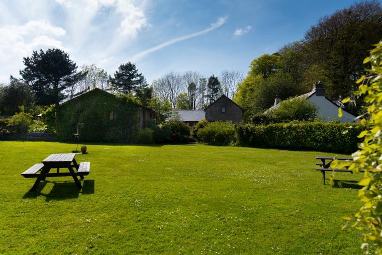 The Farmhouse at Wheel Farm Cottages, Devon, Photo 25