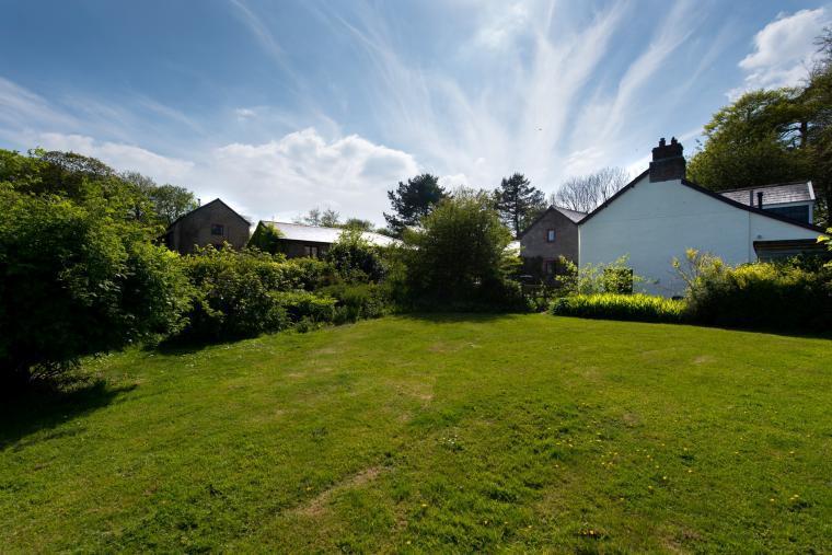 The Farmhouse at Wheel Farm Cottages, Devon, Photo 19