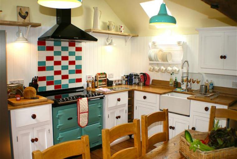 Blenheim-Cottage-Kitchen-And-Dining-Aea