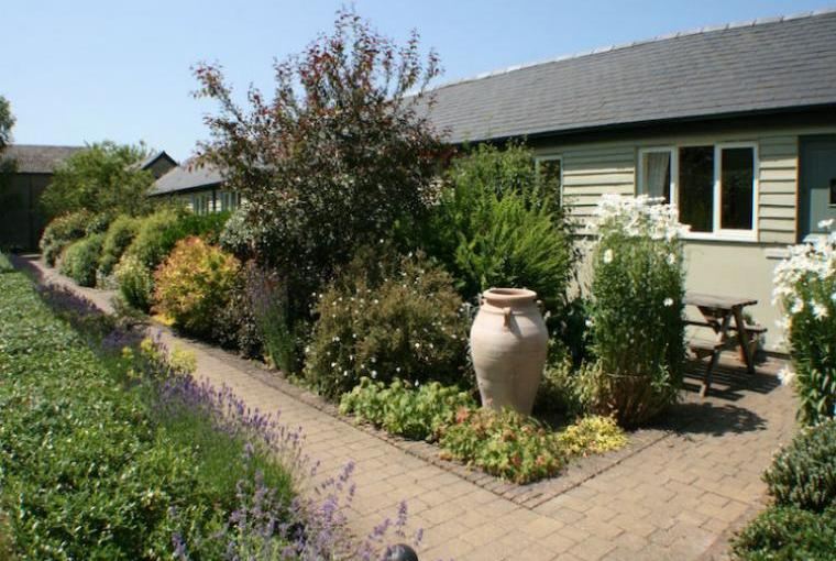 Cottages-Garden-And-Patio-Area