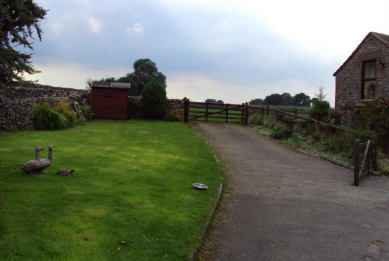 Idyllic Setting next to Fields