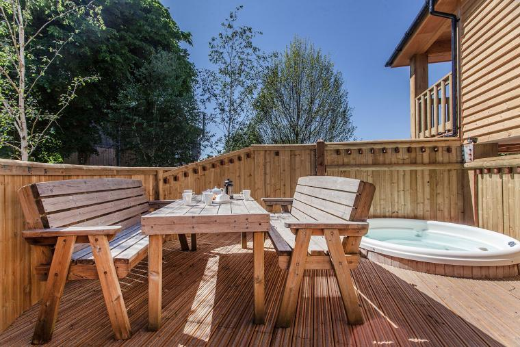 The Sunny Deck With Hot Tub Set In