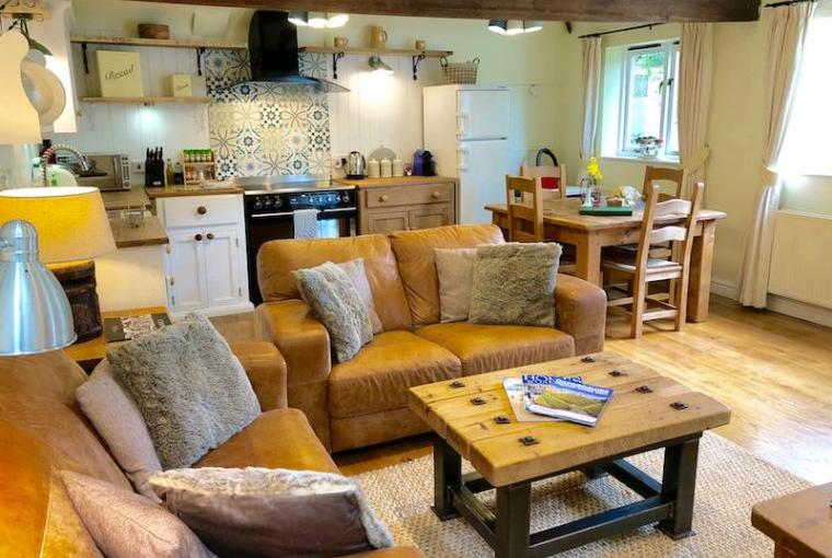 Waterperry Sitting Room and Kitchen
