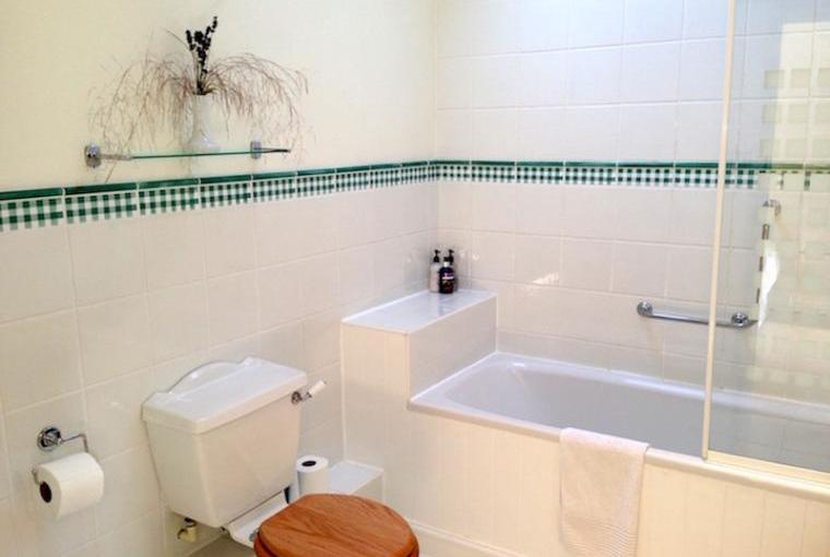 Magdalen-Cottage-Bathroom