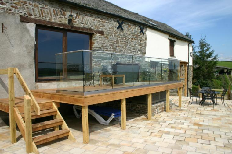 Relax and unwind on holiday at Bartridge Farm Cottage