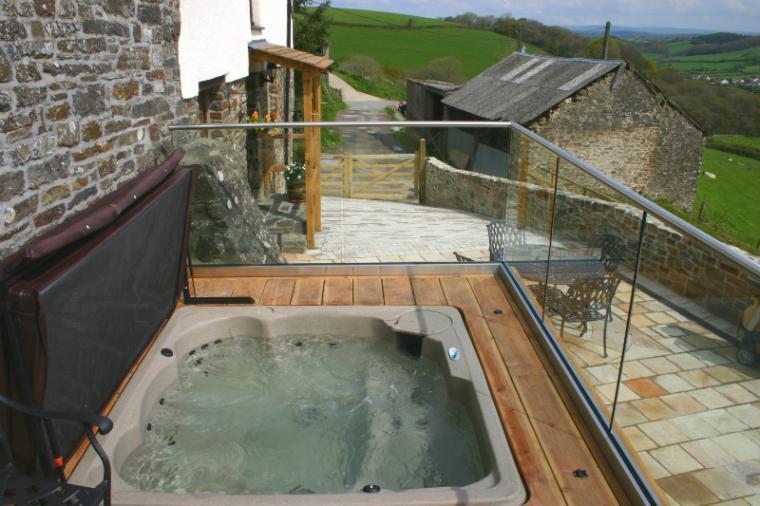 Warm Bubbly Private Hot Tub
