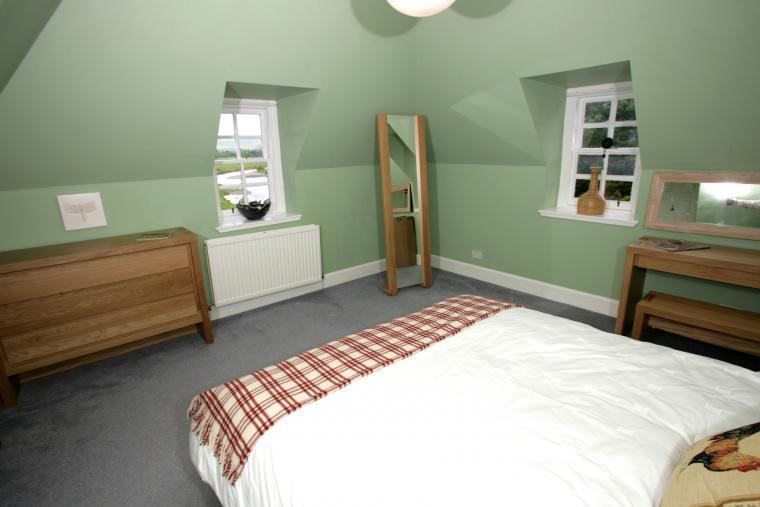 five bedroom holiday home peebles