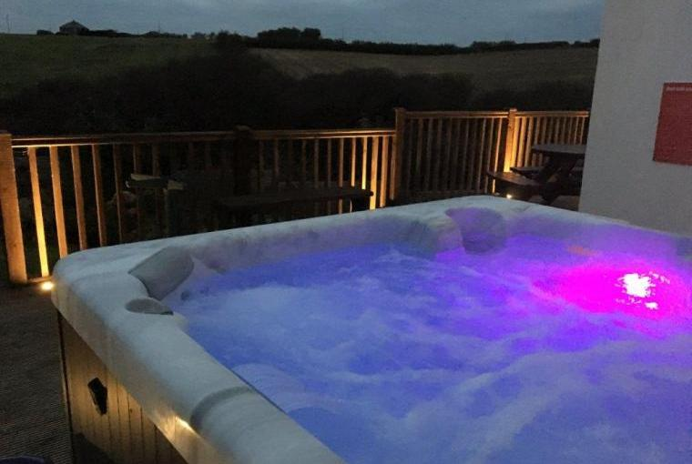 Hot-tub with lights