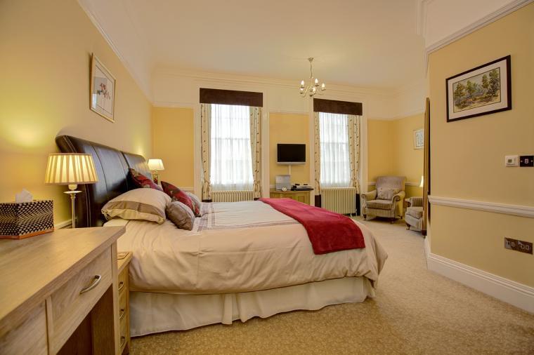 Oakleaf bedroom