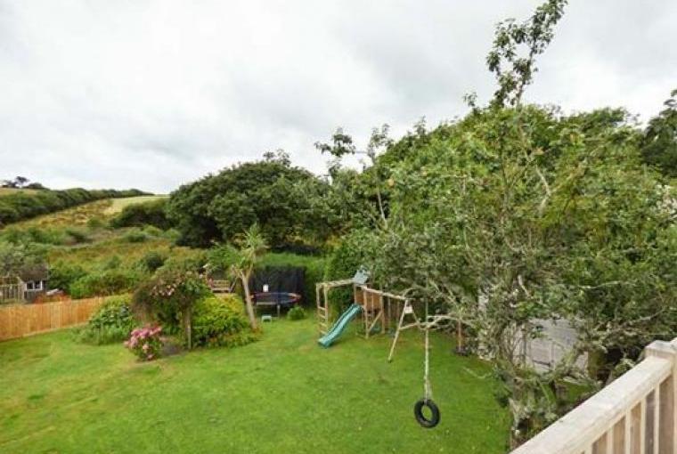 Garden with children's play area