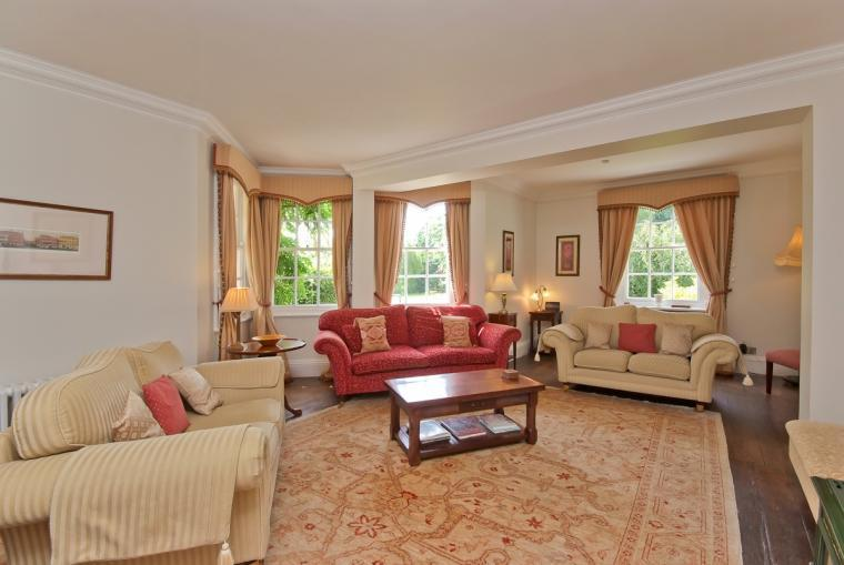 Large sitting room at Ludlow Manor House