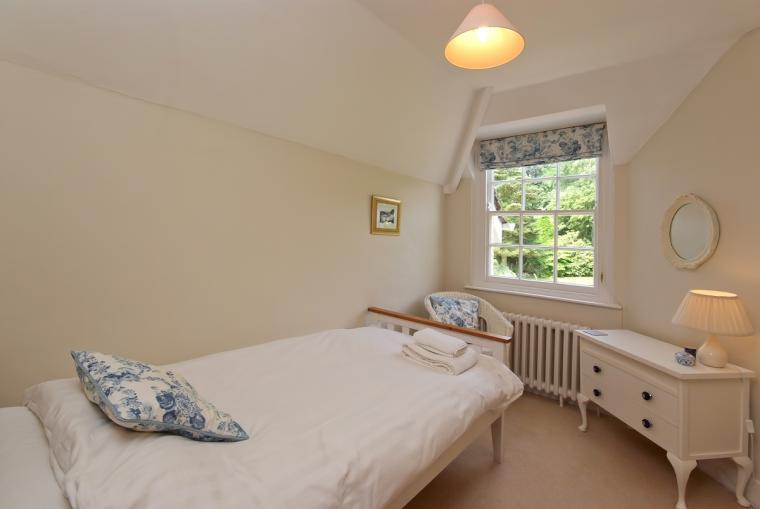 Single bedroom at Ludlow Manor House
