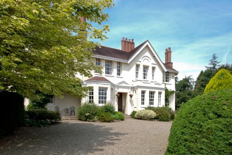 Ludlow Manor House