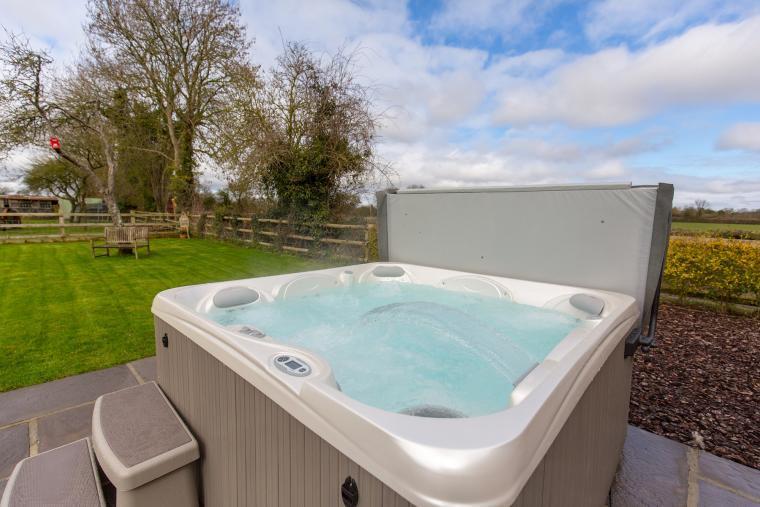 Outdoor Hot Tub at Orchard View