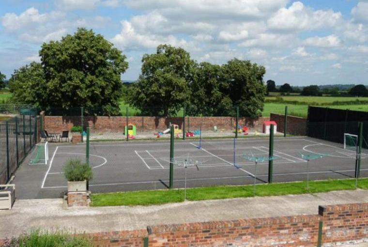 Large multi-sport games court