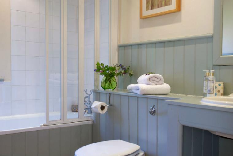 Wilf's Barn Bathroom