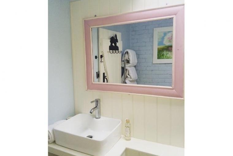 Ian's Cottage Bathroom