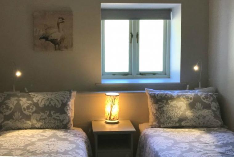 Room 4 - King or 2 singles