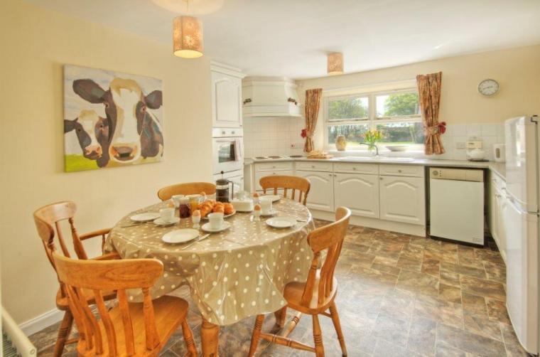 Kitchen diner at Mrs Fordys Cottage