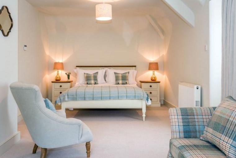 Elegant accommodation, Week Farm