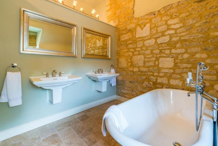 Stylish bathroom, Week Farm
