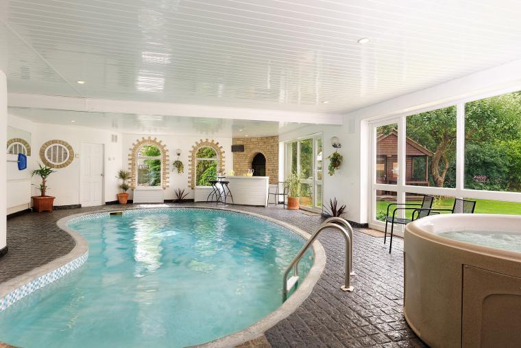 Athina Swimming Pool