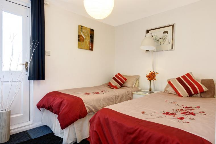 Athina Twin Bedroom 5
