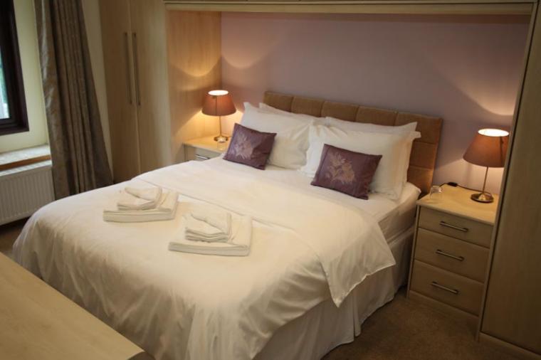The Escape sleeps 10 holiday house near Matlock