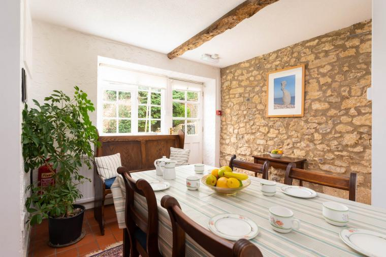 Dining area, Nuthatch Cottage