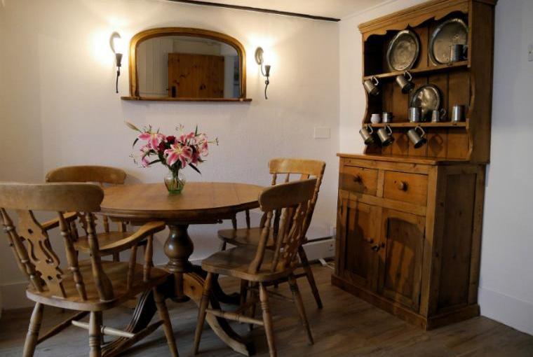 Dining area, Inglenook Cottage