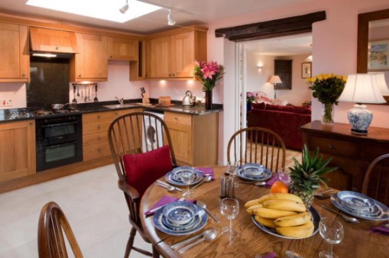 Daisy Bank, Park Farm Holiday Cottages, near Stow on the Wold