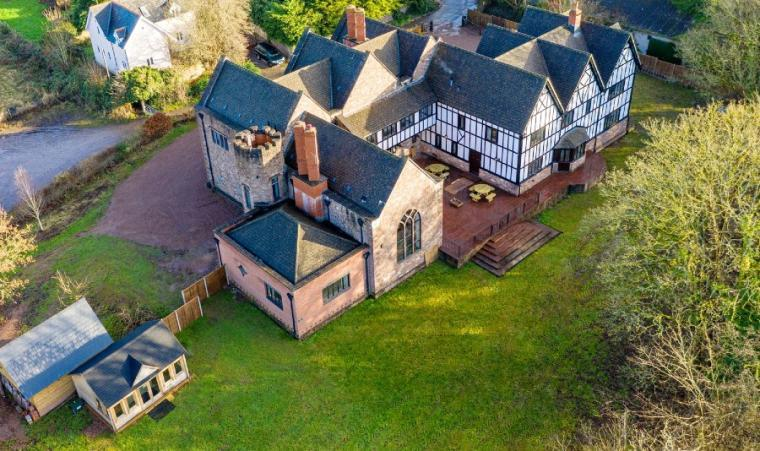 11 bedroom Manor on the Monnow, Monmouth