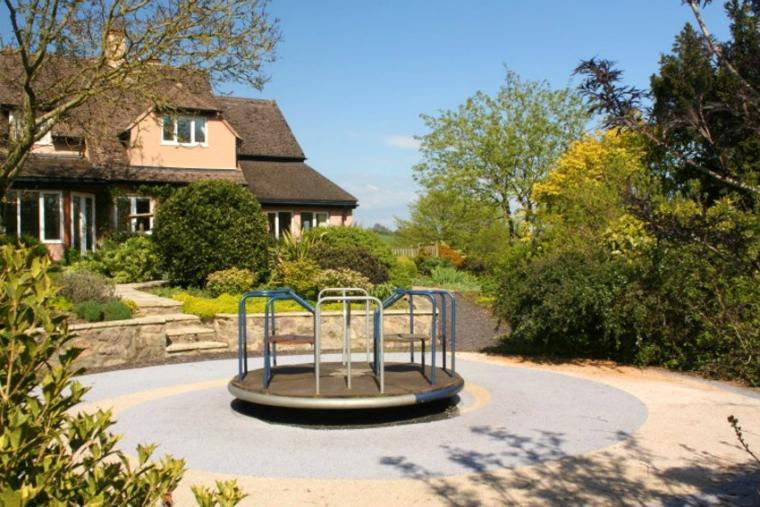 Children's play facilities at the Cottage Beyond