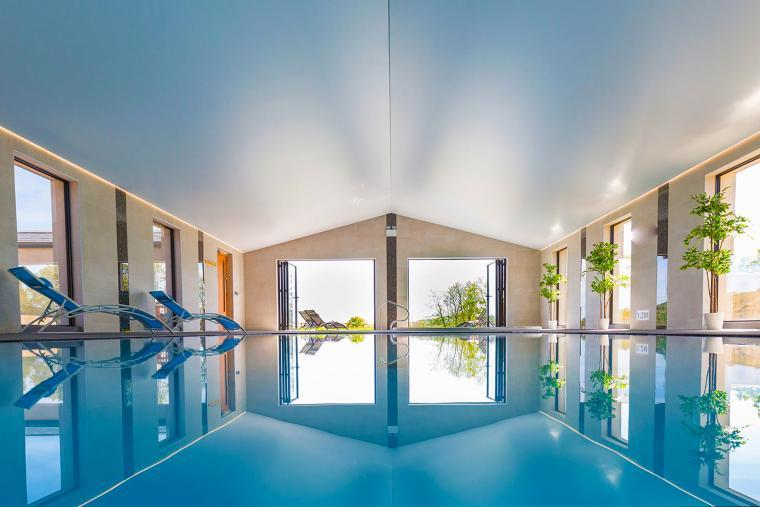 Luxurious Spa Hall at Shires