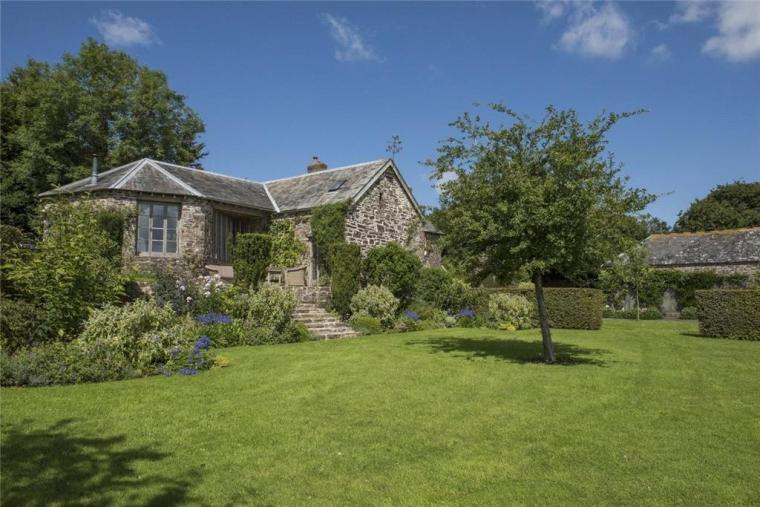 The Roundhouse, Unique 3 bedroom self-catering accommodation near Exmoor National Park