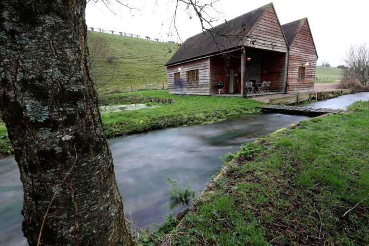 The Fishing Lodge, Dorset, Photo 2