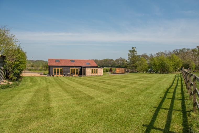 Maythorn Farm Barn, Bedfordshire