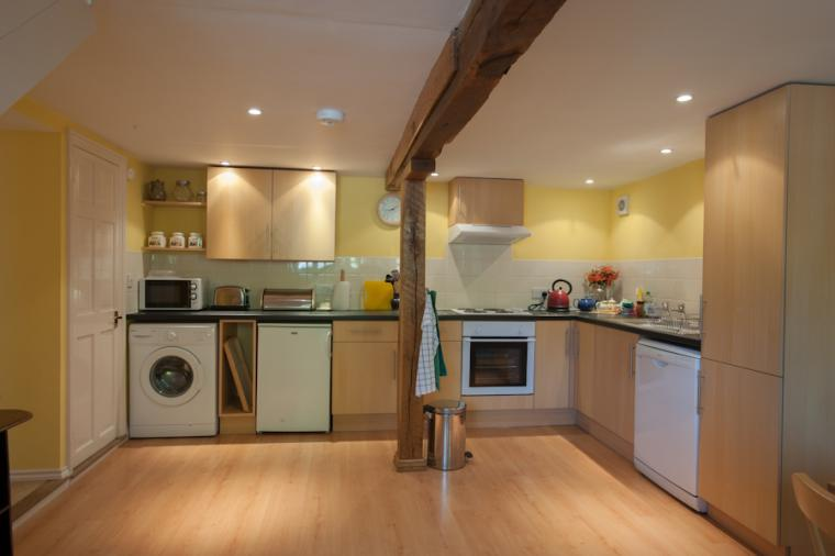 Stylish well equipped kitchen, Granary Cottage