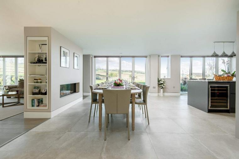 Sleeps 10, High standard, 5* Gold Award Winning House, M1 rated, ideal for all generations, Herefordshire, Photo 6