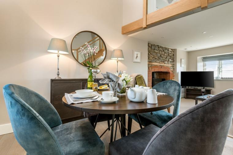 Sleeps 2, Beautiful, Modern Cottage with Original features, Ideal for Couples in fantastic Herefordshire countryside, Herefordshire, Photo 14