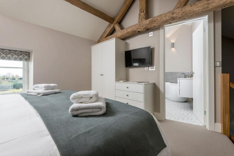 Sleeps 2, Beautiful, Modern Cottage with Original features, Ideal for Couples in fantastic Herefordshire countryside, Herefordshire, Photo 13