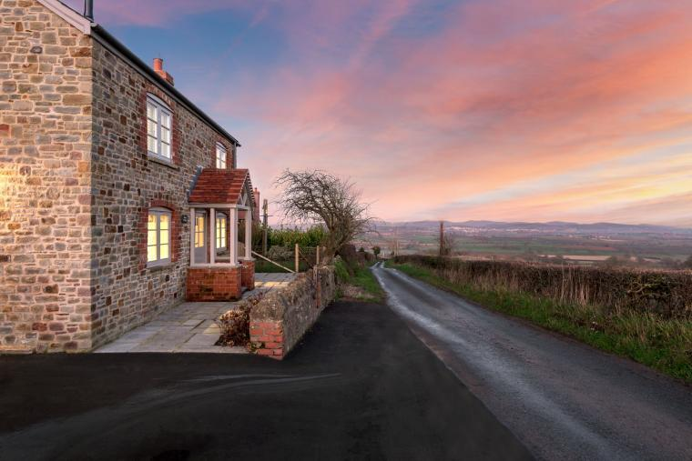 Sleeps 2, Beautiful, Modern Cottage with Original features, Ideal for Couples in fantastic Herefordshire countryside, Herefordshire, Photo 18