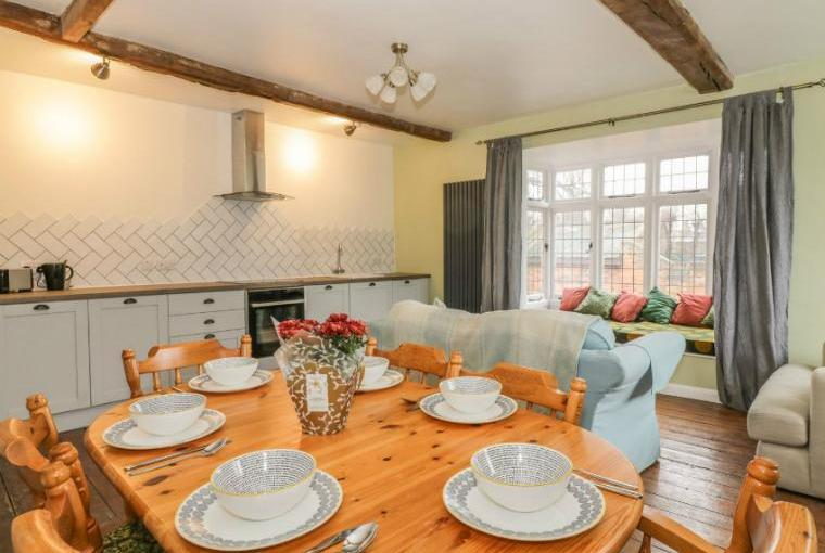 Open plan living area, Ropes Cottage, Colchester